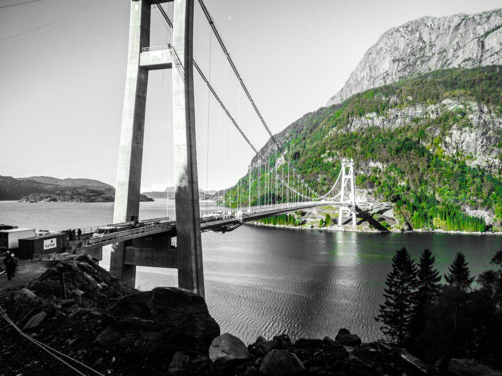 Dalsfjordbroen, Referanser, Infrastruktur