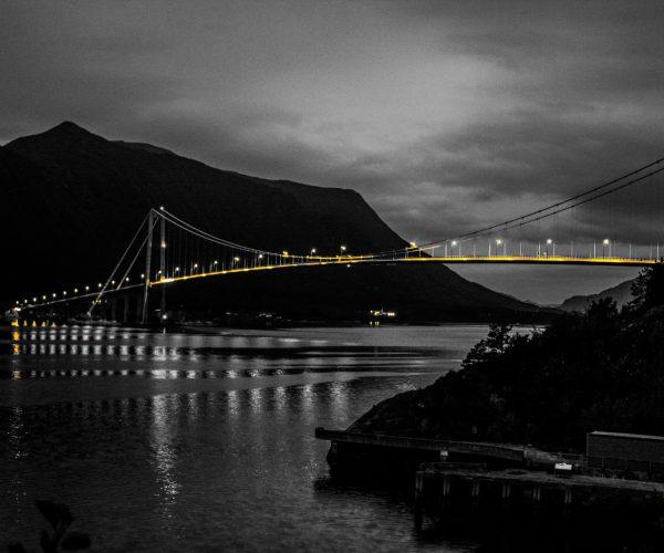 Gjemnessund broen, Infrastruktur